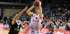 Amedeo Della Valle lead Reggio Emilia to the 1st place in group