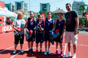 "KK ""Art Basket"" and BC ""Sports World"" are the first finalists of BeoBasket Future Stars, Micov and Jelovac gave support to girls and boys"